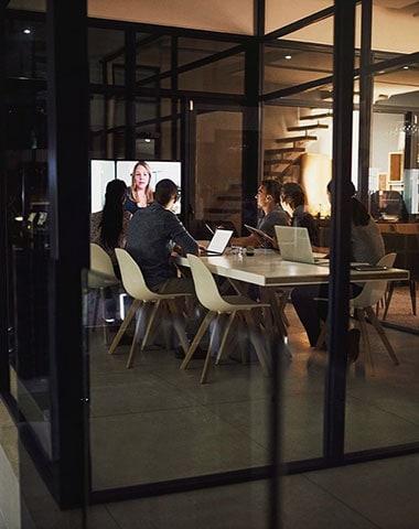 Videokonferenz mit 6 Personen